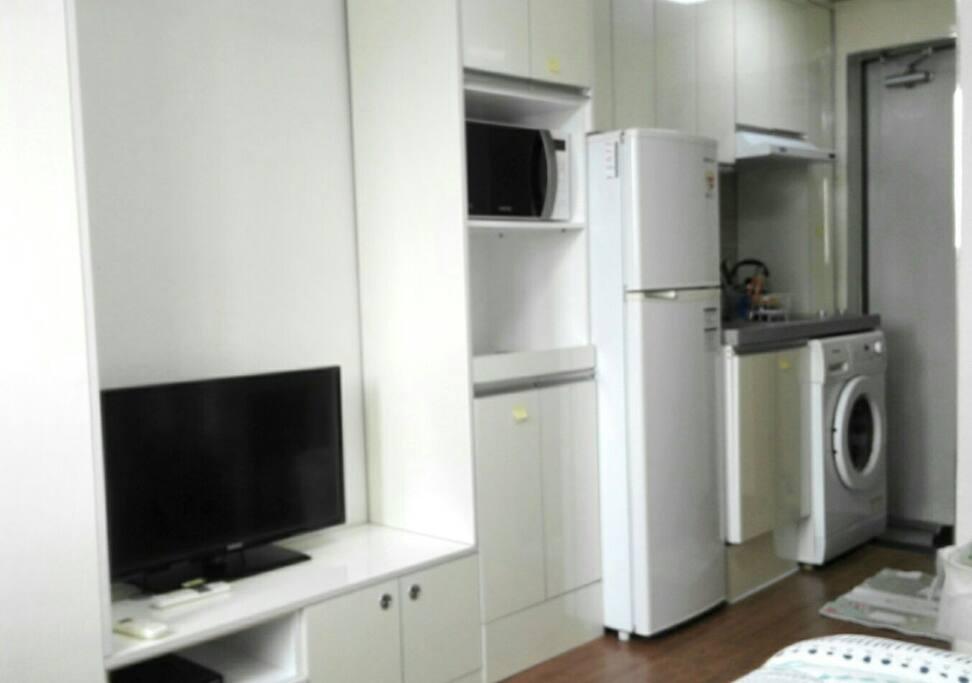 옷장,케이블티비,전자렌지,냉장고,쿡탑,드럼세탁기,신발장