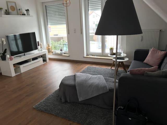 Ruhig gelegene 2 Zimmerwohnung mit Dachterrasse - Dachau - Huoneisto