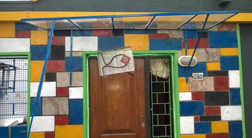 relaxed vintage lodge, close to everything - Montevideo - Hostel