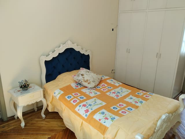 Lovely room in the heart of Old Town