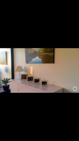Entire 2 bed apt - Dee Why