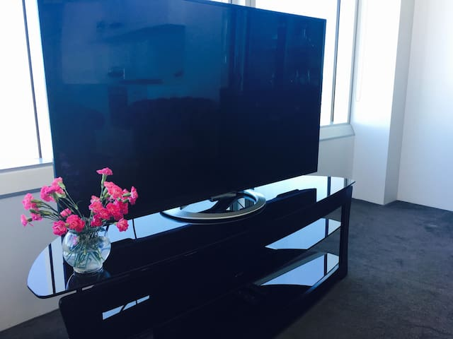 """Smart 55"""" TV and blue ray player"""