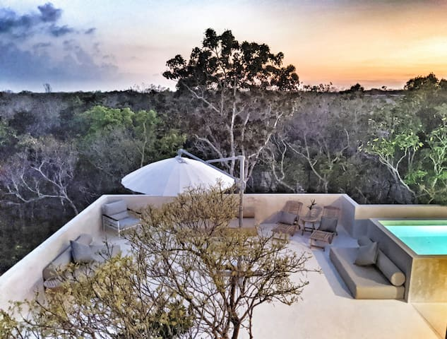 Villa Pixam ♔♕ Luxury Villa W/ Rooftop Pool ★★★★★