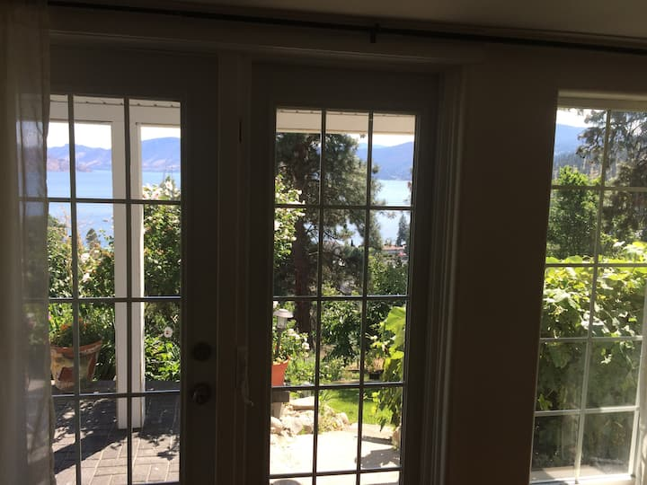 Stunning unobstructed views of Okanagan Lake