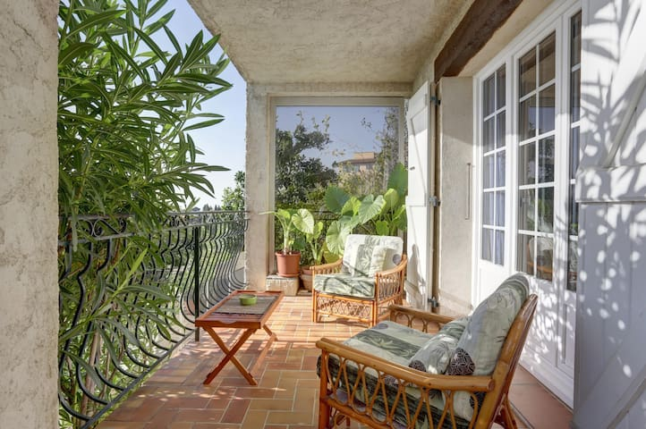 Balcony over the French Riviera, Vence
