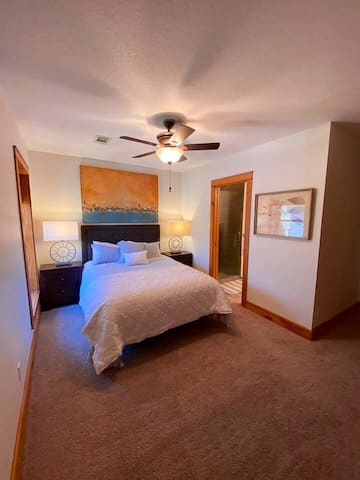 Queen Guest Room with attached Bathroom