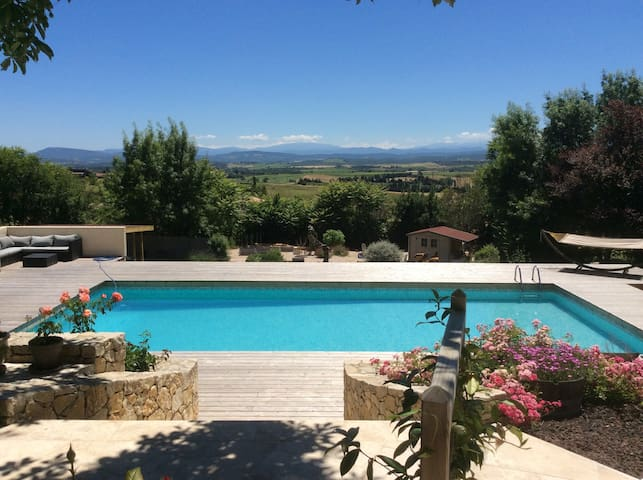 Audevie Cailhau: Charmant vakantiehuis met zwembad
