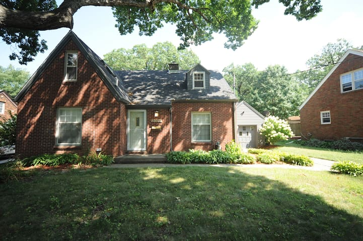 Wonderful Des Moines home close to downtown