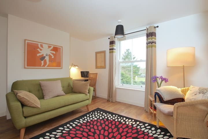 ★Contemporary 1 Bed in East Oxford with parking★