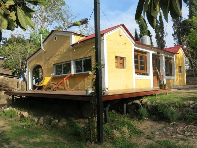 Atelier House Don Edison