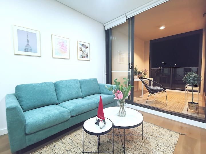 COZY Urban Style Apartment Near CBD Good Location
