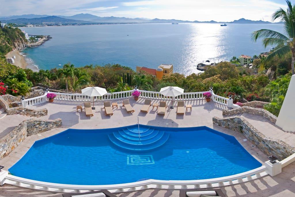 Pool and Manzanillo Bay from Master