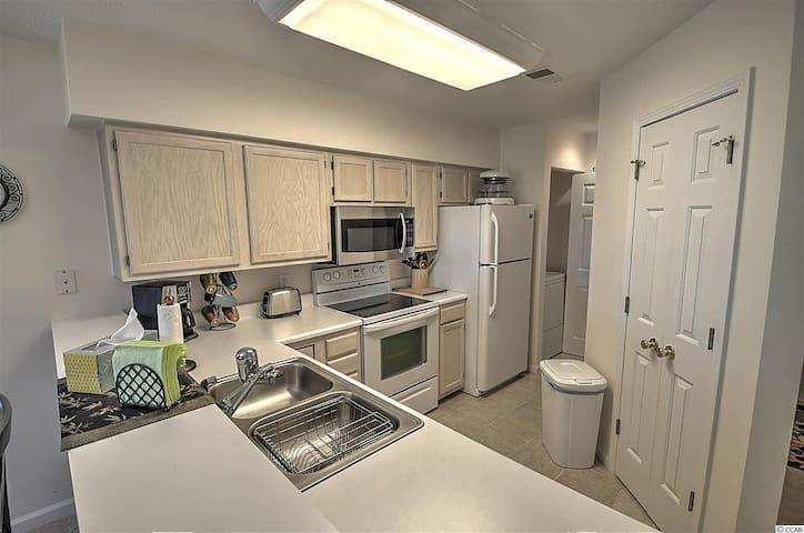 Lovely 2 Bedroom/2 Bath Condo at Buck Creek