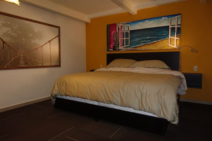 King size bed with ensuite bathroom