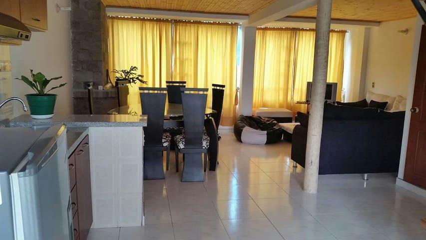 Alquiler casa amoblada Paipa - Paipa - Apartamento