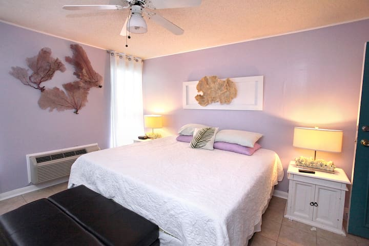 Storyville - Bright 1 Bedroom Apt in Charming Inn