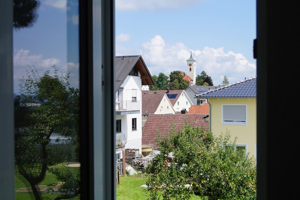 relax &  sleep is located in a beautiful suburb of Friedrichshafen, only a few minutes away from the trade fair (Messe) and the shores of Lake Constance.