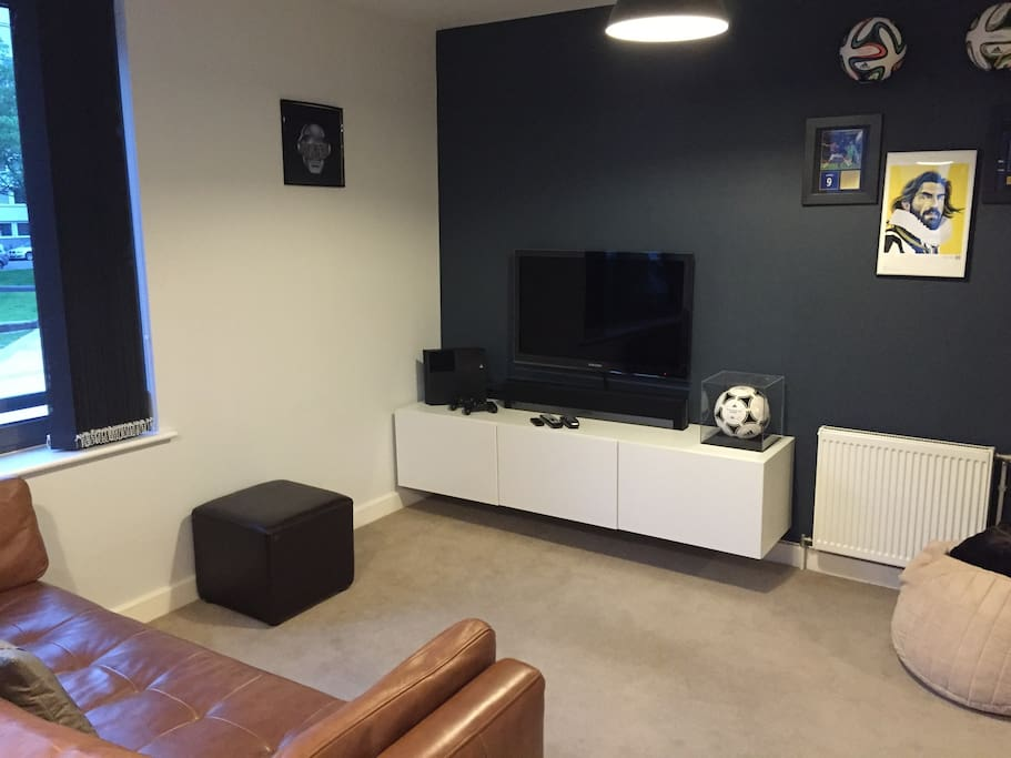 Front Room (TV & PS4)