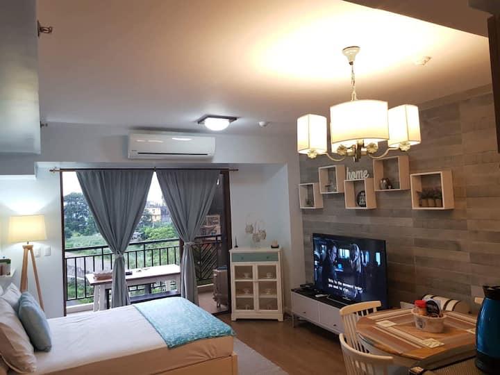 BIiss at Kasa Luntian w/ WIFI & Netflix