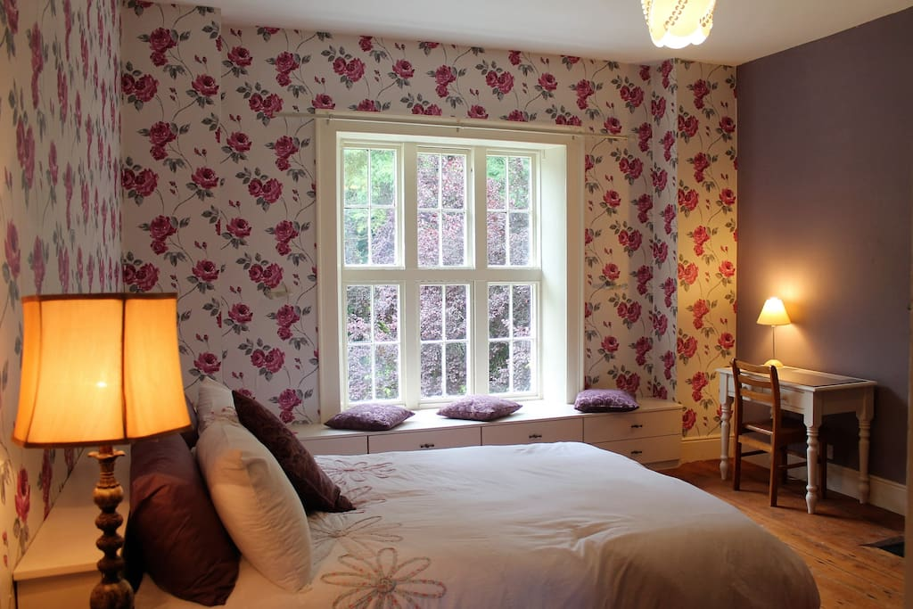Double bed with beautiful garden view.
