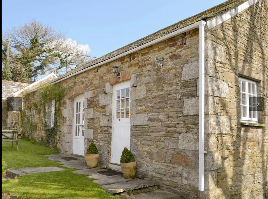 Appealing stone built holiday home