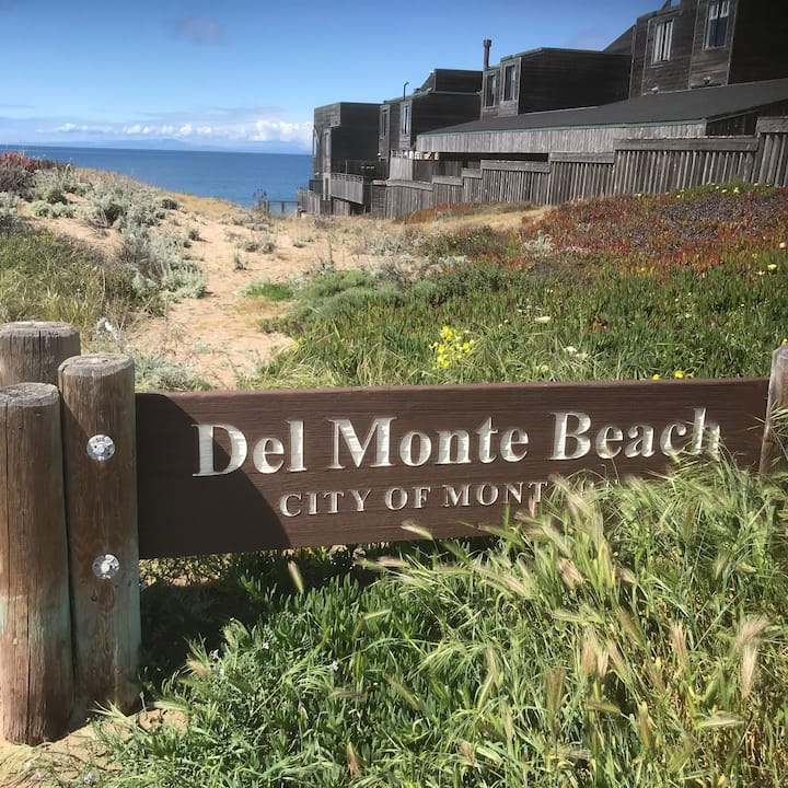 Beautiful Monterey Bay Close to Golf!
