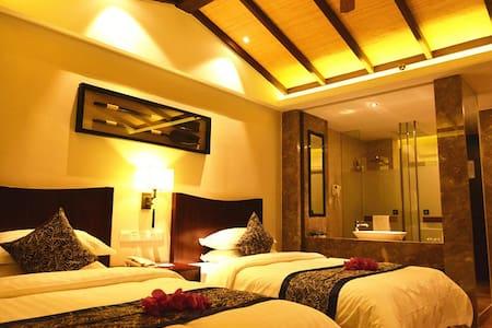 东南亚度假风格、碎片式黎族元素高档装修、个性、休闲 - Wohnung