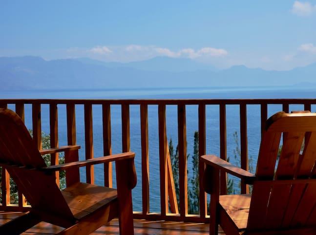 Cabin with Amazing Balcony Views
