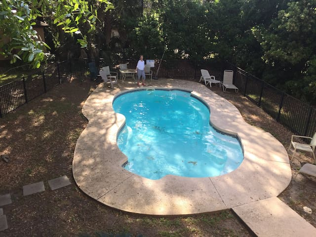 Private Pool and a few steps from beach! - Fripp Island - Hus