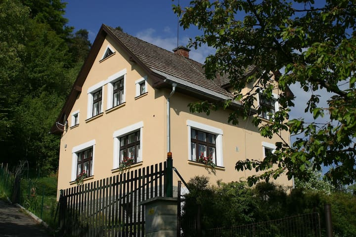 Holiday home in the Bohemian Paradise, 100 meters from the castle ruins Panteon