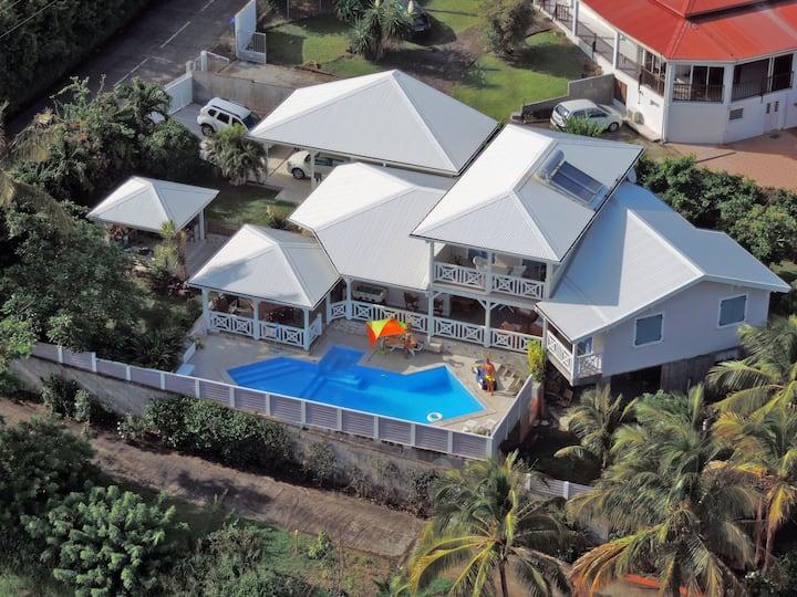 Appartement de charme avec piscine et jaccuzzi