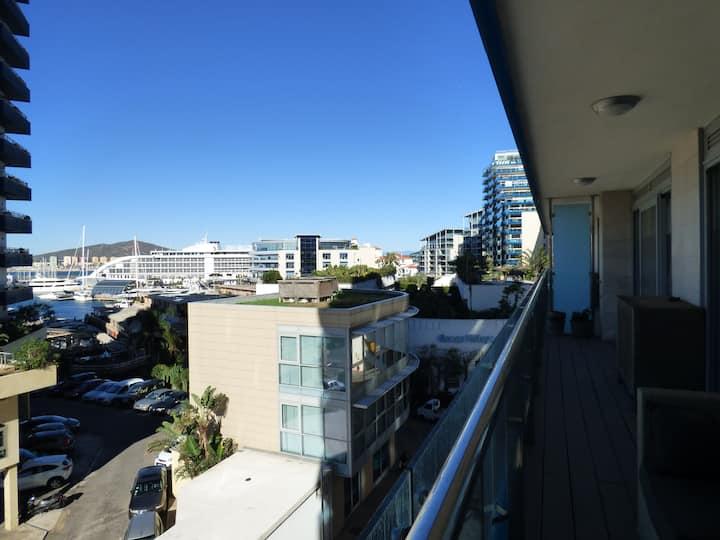 Modern apartment in Ocean Village