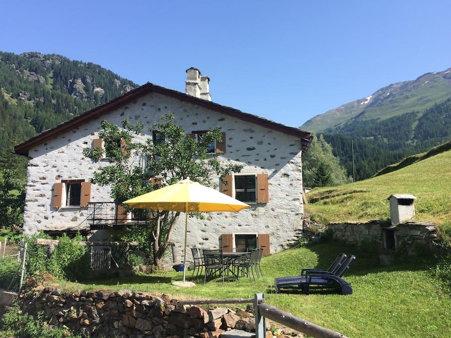 Casa di montagna romantica 5 cam cottage in affitto a for Piani di bungalow di 1500 m