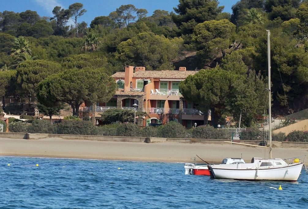 VILLA L'ENSOLEILLADE - La Villa vue de la Mer