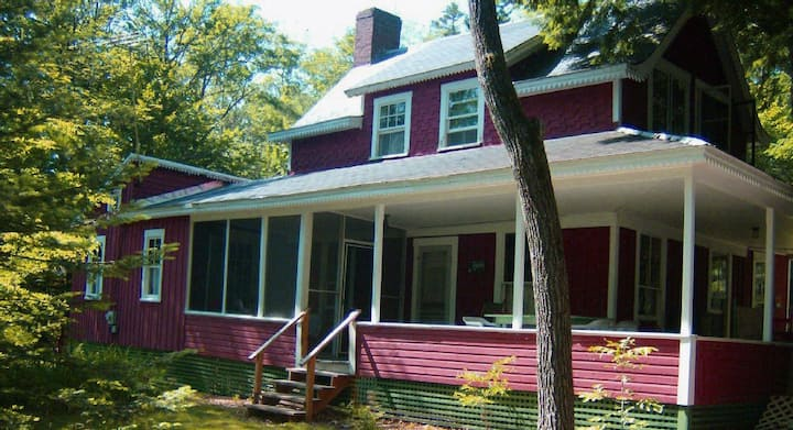 Large 2-Story Cabin on Lake Hebron in Monson, ME