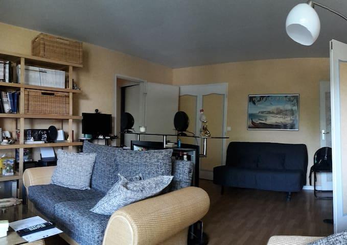 Lit BZ dans appartement spacieux - Lyon