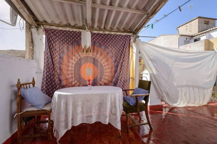 Piso Artístico conTerraza,  Centro - Granada - Appartement