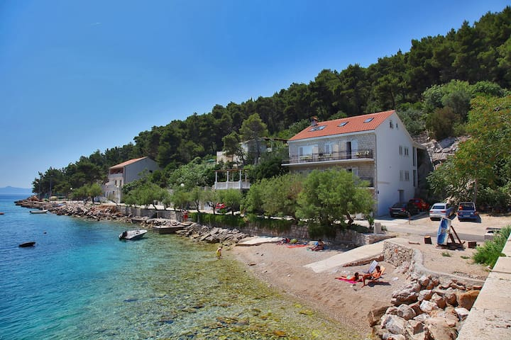 Sea View Apartment for 5 persons - Trstenik - Casa