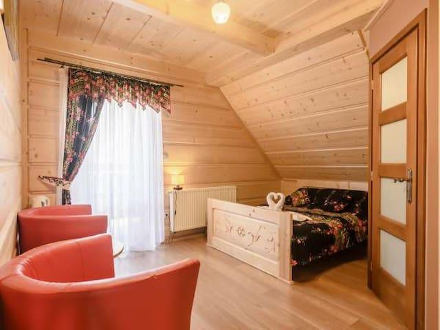 Piękny pokój dwuosobowy z balkonem