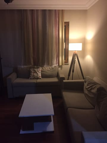 Near to subway and bus station (15 min to Kadıköy)