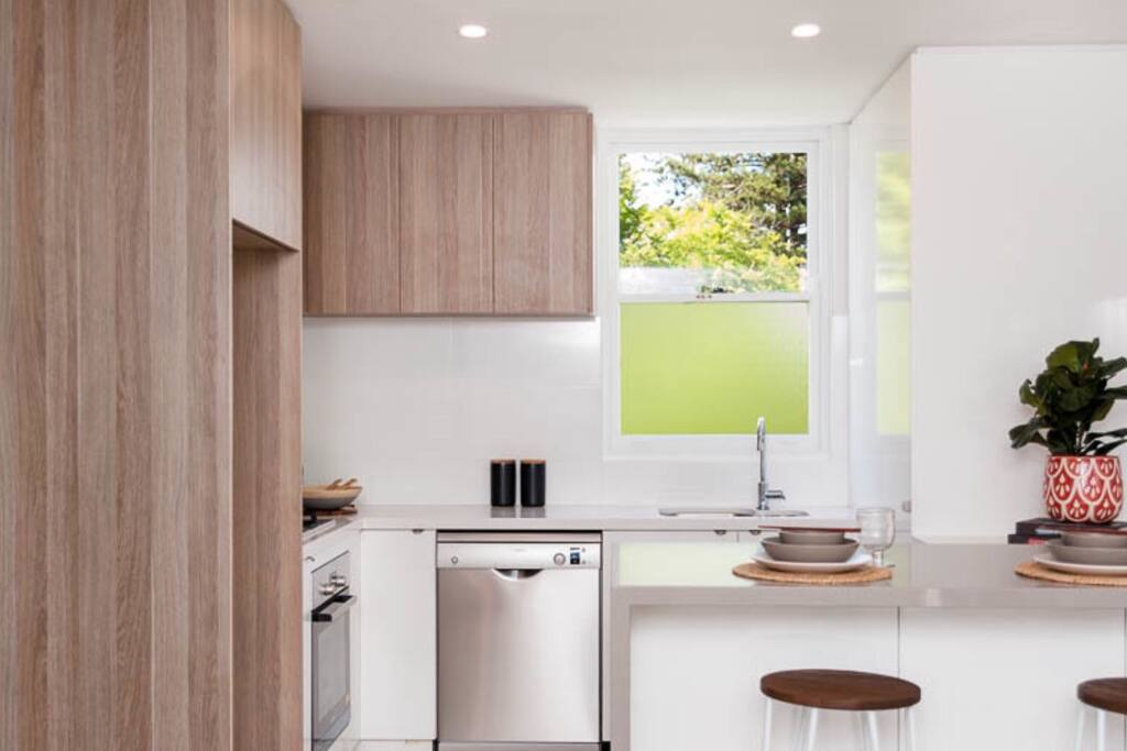 All new appliances in this newly renovated apartment. New fridge stove ,oven microwave and dishwasher. Crockery,cutlery new cooking utensils and set of pots and pans . Essentials in the pantry like oil,balsamic vinegar and selection of herbs to make your stay easy.