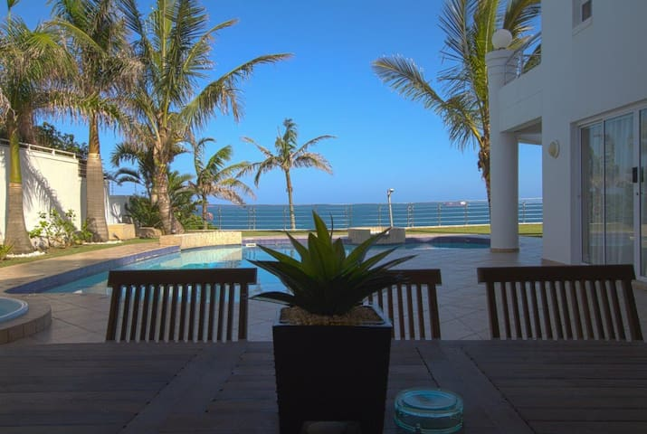 Seashelles Beach View B - Umhlanga