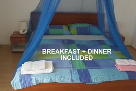 Beachside Room #4 +incl. HALF BOARD - Zavala