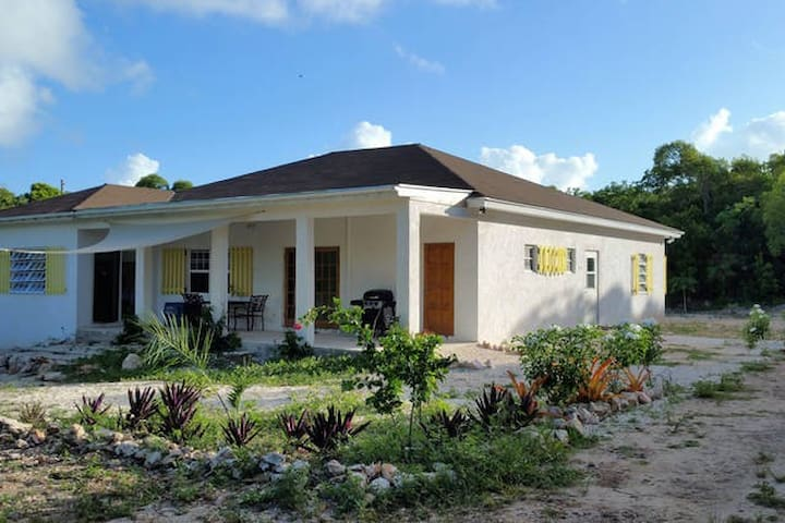 Brand New Home, Great Way to Experience Eleuthera! - Tarpum Bay - บ้าน