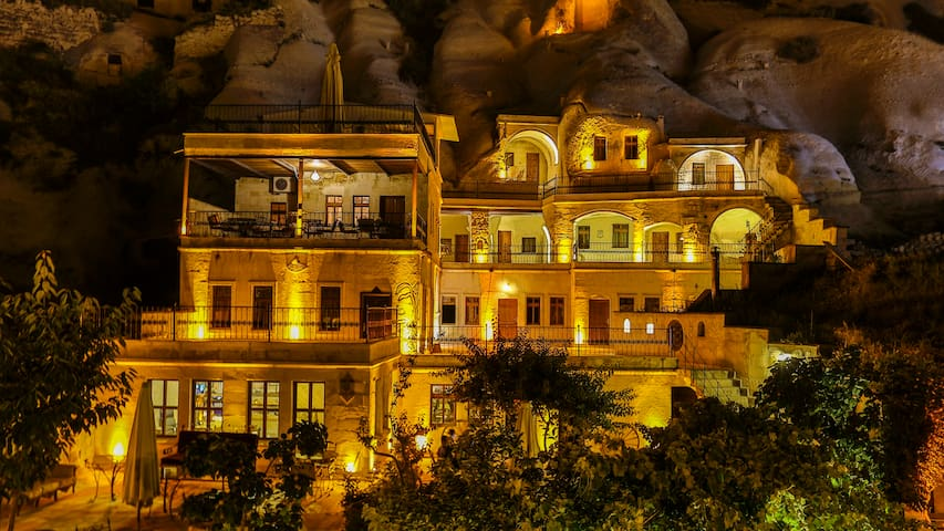 SPELUNCA  CAVE  HOTEL DOUBLE ROOM/BREAKFAST - Göreme Belediyesi - Bed & Breakfast