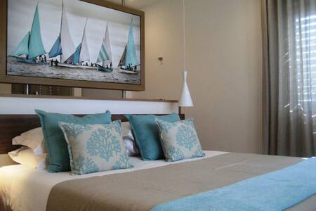 Aquaria luxury beachfront Apartment