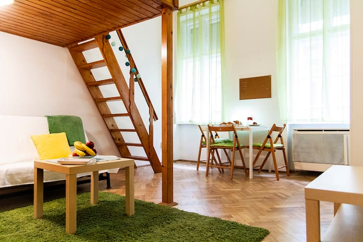Quiet, cozy studio in center Budapest! 5* location