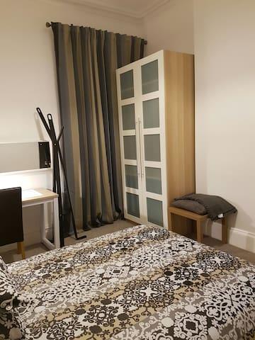 Very Upmarket Large Room - Eccles - Ház
