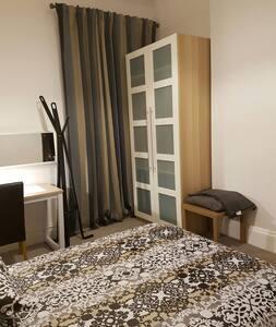 Very Upmarket Large Room - Eccles - Σπίτι