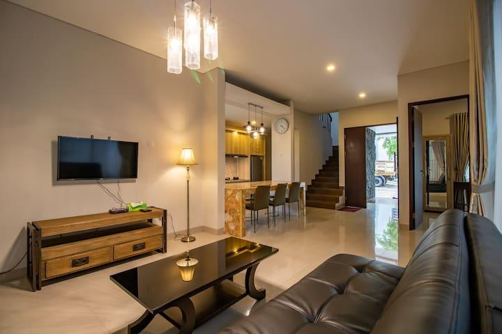Hillside Charming Villa in Dago for Family #B2